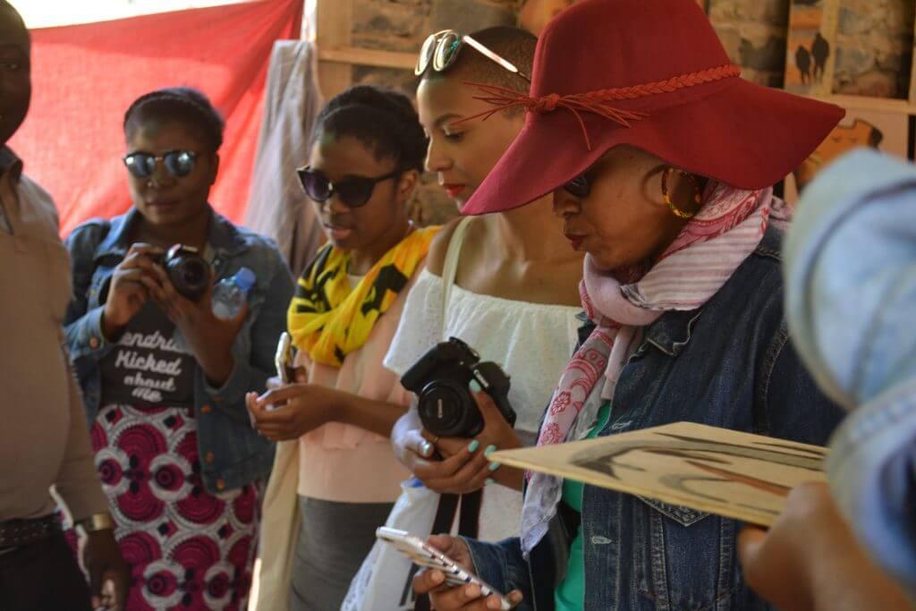 we-sisterhood-dakar-24-goree-femmes-noires-groupe-photo